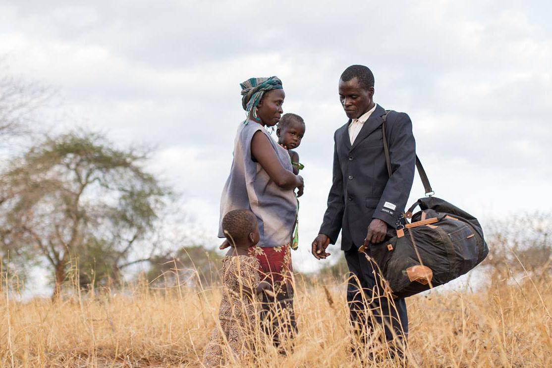 Bilde av familien som er i senteret av filmen «Thank you for the rain»»